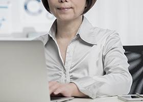 2.キャリア女性の仕事優先思考